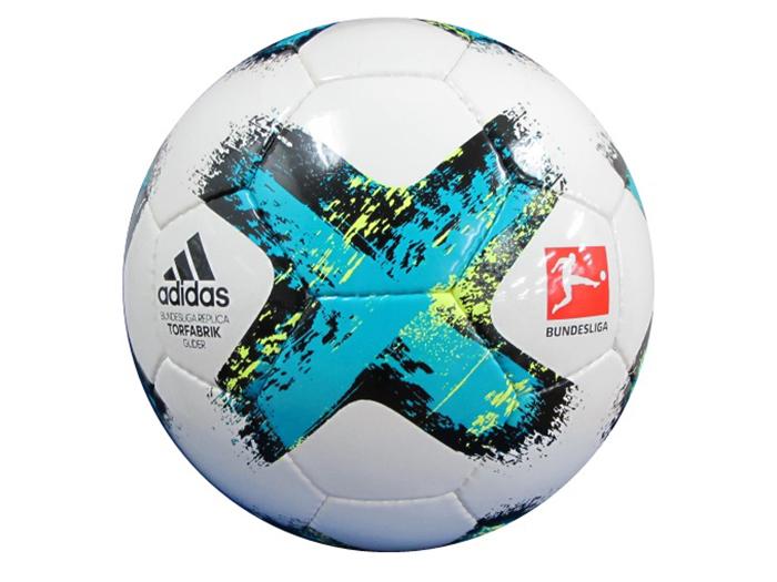 adidas 17-18 ブンデスリーガ 試合球 レプリカ 5号球 (フットサル&サッカー ボール サッカーボール5号球)【スポーツ用品 > チーム スポーツ > サッカー】【adidas/アディダス】/AF5521DFL