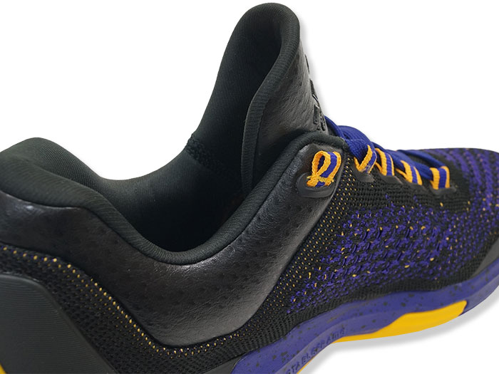 adidas CRAZY LIGHT BOOST 2 LOW PRIMEKNIT(ワンポイント画像)